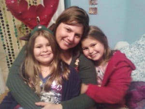Los Tweens & Teens Publisher Cristy and her identical twin daughters.