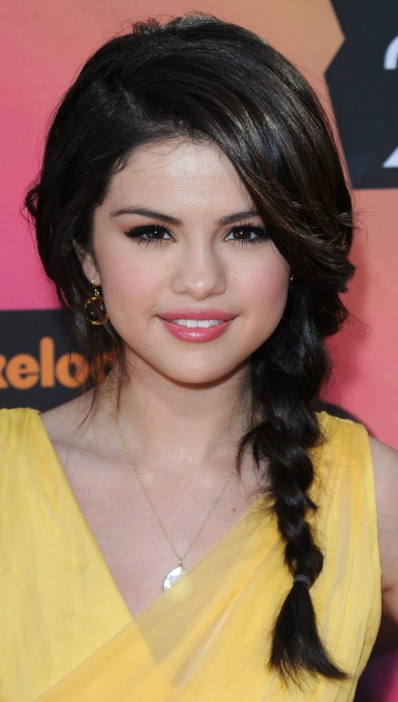 10 Young Hollywood Inspired Hairstyles To Try At Home