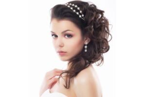Curly-Quinceanera-Hairstyles-