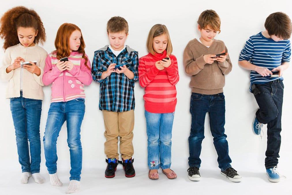 """Teens & Tweens: How Does """"Generation Z """" Look Like?"""
