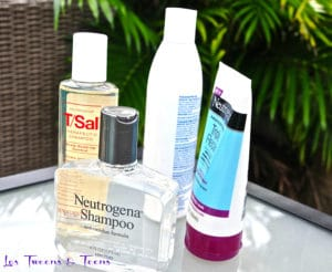 Neutrogena offers a collection of anti-residue shampoos perfect for oily hair.