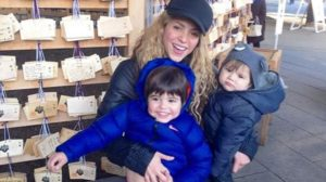 Shakira with her two adorable sons at the Meiji Shrine. Photo by @shakira in Instagram.