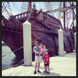 El Galeon and La Familia