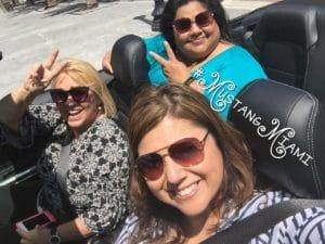 Cristy Clavijo-Kish en Ford Mustang
