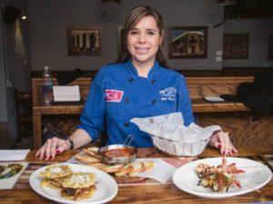 Chef Maria Katalina Velez, chef ejecutiva y propietaria de Mojitos Cuban Cuisine en Brooklyn, NY, y nombrada una de los 100 mejores chefs del mundo.