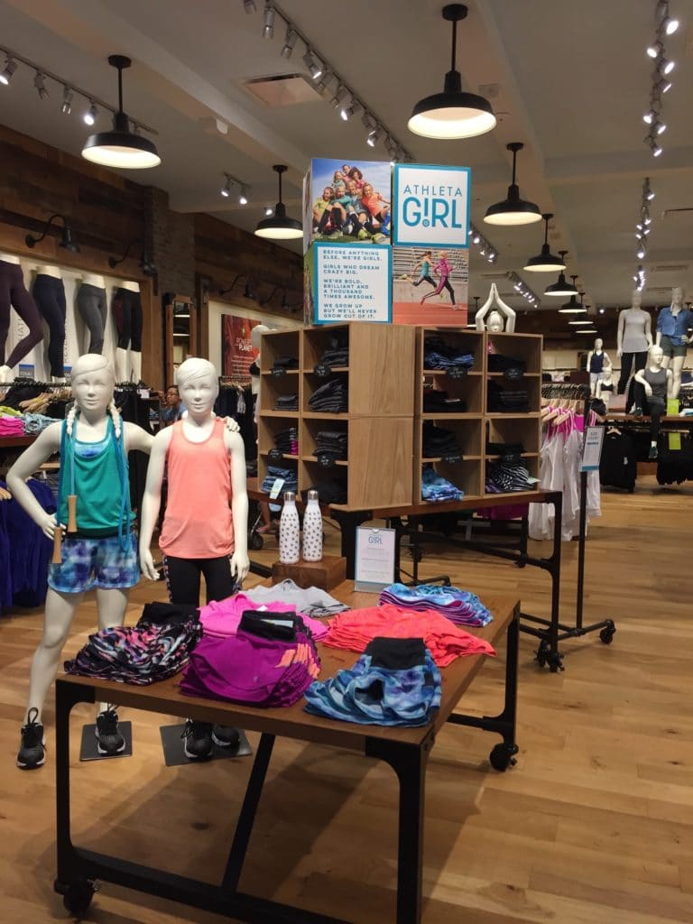Athleta_Store_Display1 (1)